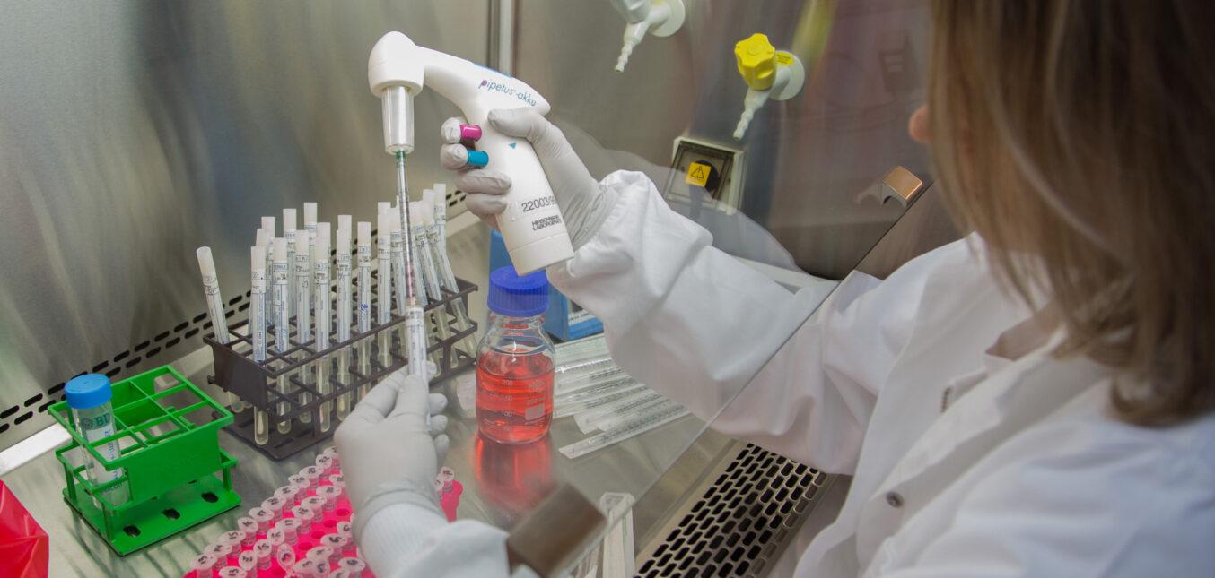 Vaccin à ADN nu : une piste à suivre pour des applications en thérapie génique ?